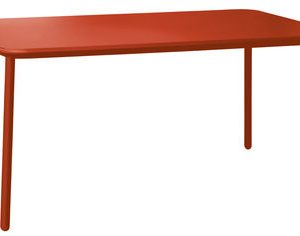 Yard Red Emu table Stefan Diez 1