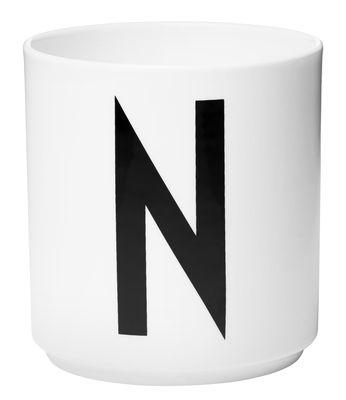 Becher Arne Jacobsen Buchstabe N weiße Entwurfs-Buchstaben Arne Jacobsen