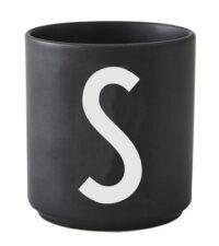 Mug Arne Jacobsen Lettera S Nero Design Letters Arne Jacobsen