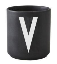Caneca Arne Jacobsen letra V Preto Design Cartas Arne Jacobsen