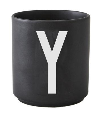 Becher Arne Jacobsen Buchstabe Y schwarze Entwurfs-Buchstaben Arne Jacobsen