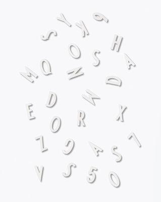 Conjunto de figuras e letras pequenas - por Arne Jacobsen / para painel perfurado de letras de Design White Design letras Arne Jacobsen