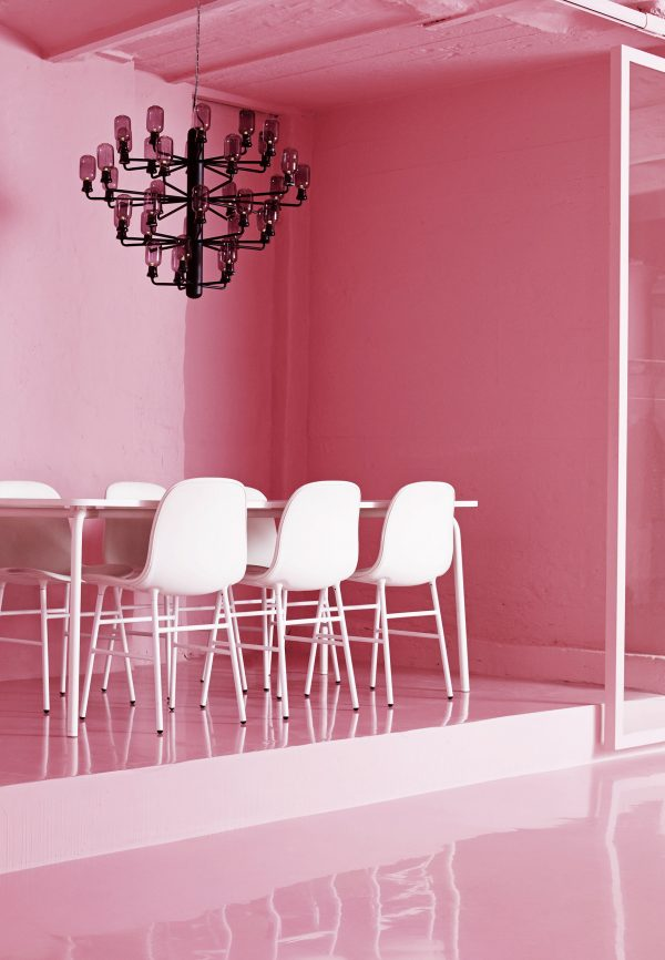 Amp Chandelier Large Suspension Lamp - Ø 85 cm Black | Fumè Normann Copenhagen Simon Legald