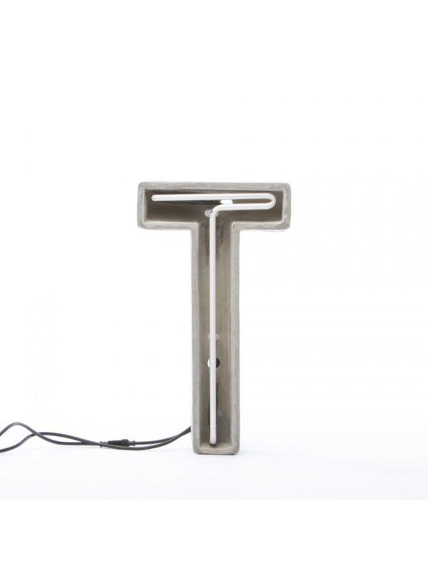 Alphacreteテーブルランプ - 手紙Tホワイト|グレー|セメントSeletti BBMDS