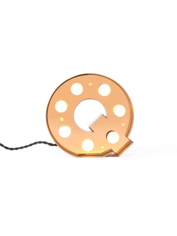 Lampada da Tavolo|Applique Caractère - Lettera Q Oro Brillante Seletti Selab|Studio Badini Creatim