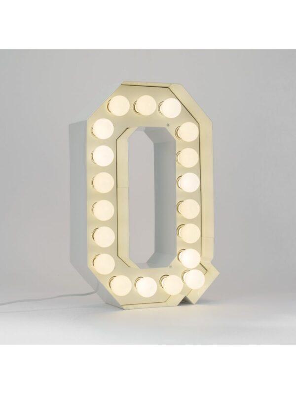Candeeiro de Chão Vegaz - Letra Q - H 60 cm Branco Seletti Selab