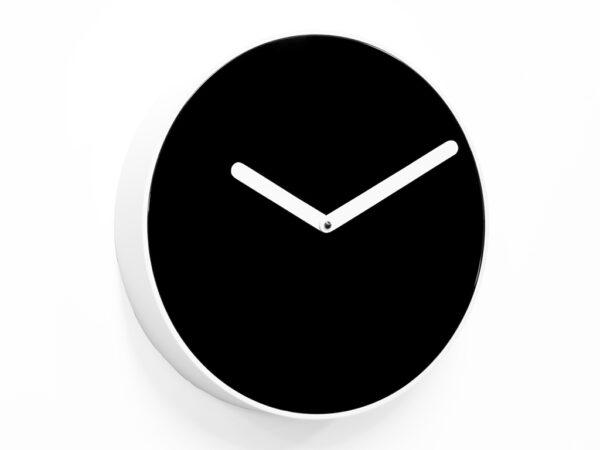 Wall clock Be Glossy black | Matt white Projects Riccardo Paolino & Matteo Fusi 1