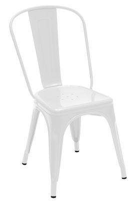 Μια λευκή καρέκλα Tolix Xavier Pauchard 1