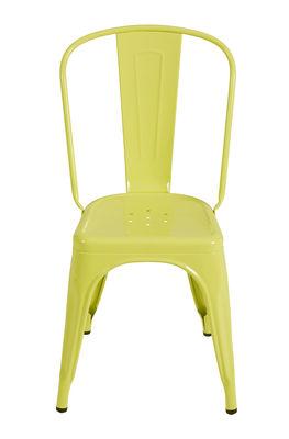 Ein gelber Linden Tolix Xavier Pauchard 1 Stuhl