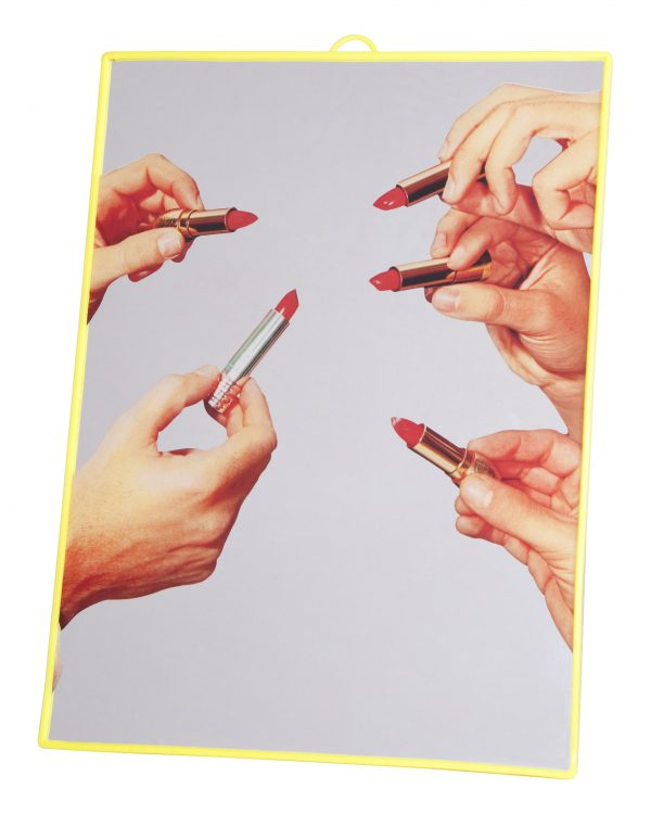 Iwa twalèt - Lipsticks - Medium H 30 cm Yellow Seletti Maurizio Cattelan | Pierpaolo Ferrari