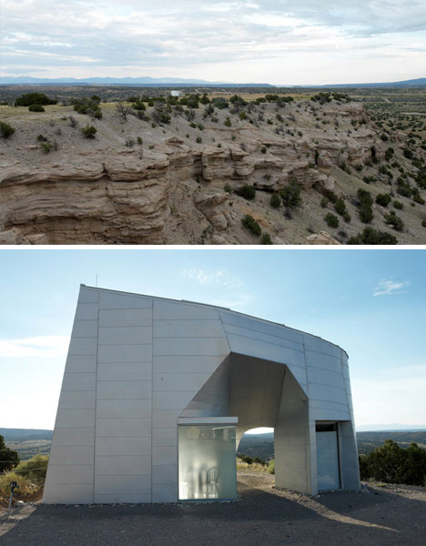 """Monolithic"" metal house in the desert, by Steven Holl"