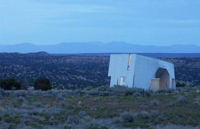 "House ""monolithic"" metal in the desert, Steven Holl"