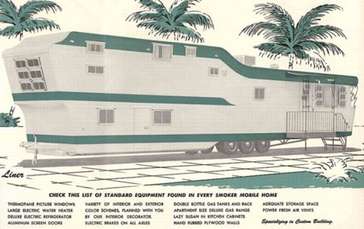 vintage-gigantic-mobile-house
