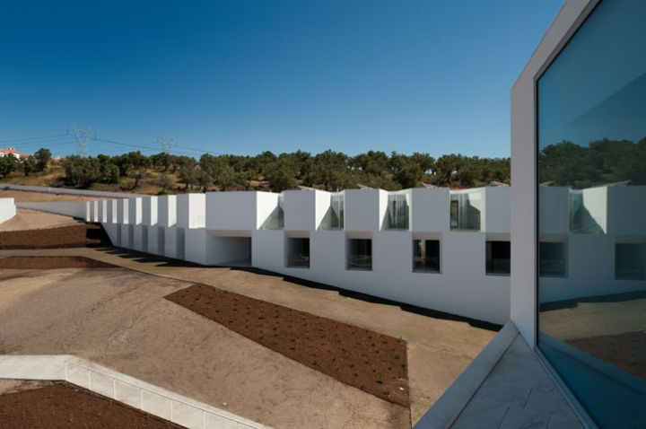 The nursing home aires mateus architects seen through Nursing home architecture