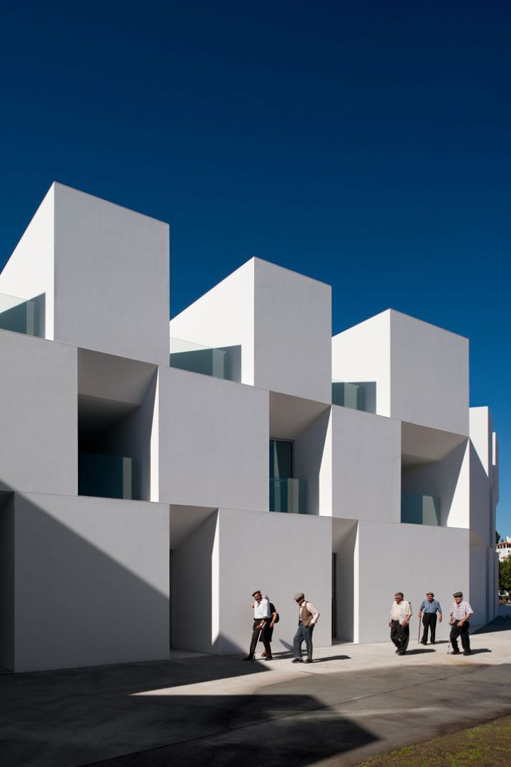 ALCACER-DO-SAL-FORM-by-Aires-Mateus-architects-photo-Fernando-and-Sergio-War-Yatzer-15