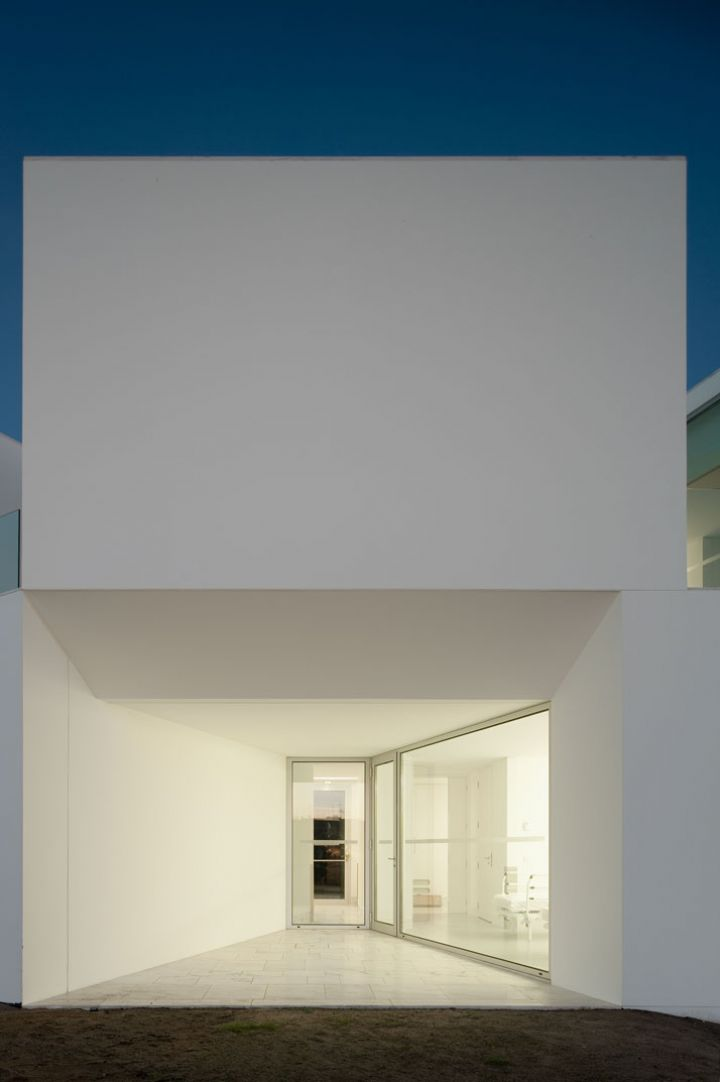 ALCACER-DO-SAL-FORM-by-Aires-Mateus-arquitetos-photo-Fernando-and-Sergio-Guerra-Yatzer-17