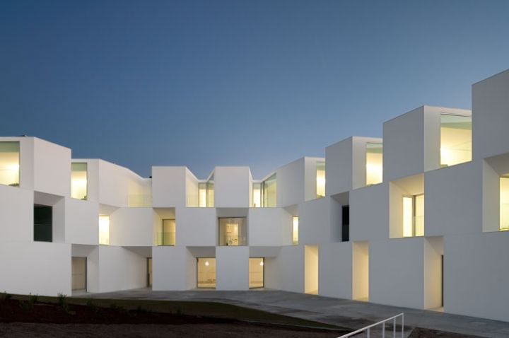 ALCACER-DO-SAL-FORM-by-Aires-Mateus-architects-photo-Fernando-and-Sergio-Guerra-yatzer-19