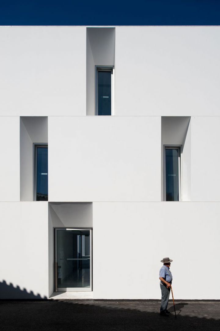 ALCACER-DO-SAL-FORM-by-Aires-Mateus-arquitetos-photo-Fernando-and-Sergio-Guerra-Yatzer-29