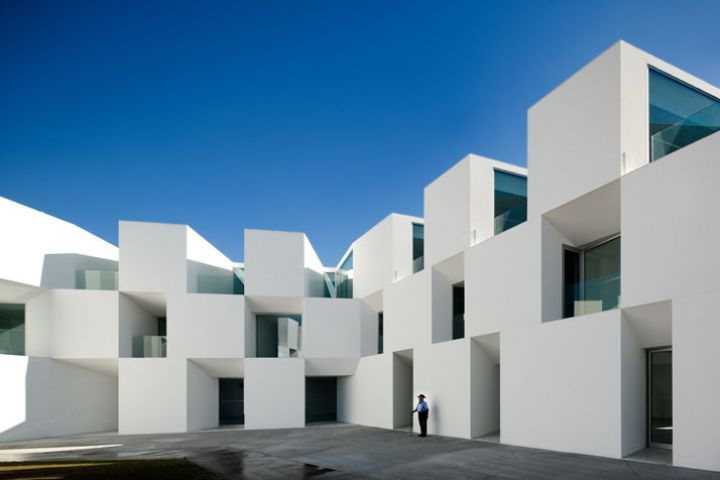 ALCACER-DO-SAL-FORM-by-Aires-Mateus-architects-photo-Fernando-and-Sergio-War-Yatzer-9