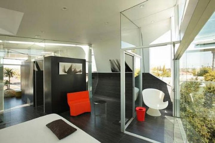 Venice-Beach-Residence-by-Anthony-Coscia-Modern-Furniture