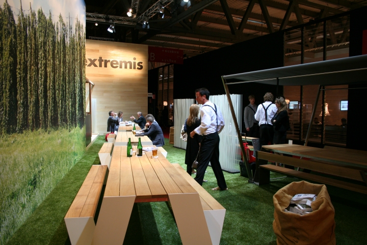 Extremis, Milan Design Week 2011