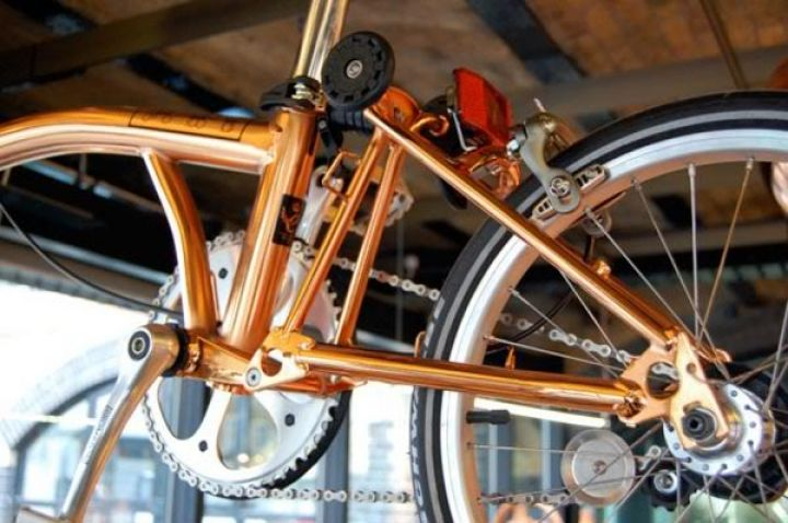 tom-Dixon-brompton dobrando-bike-cobre-4