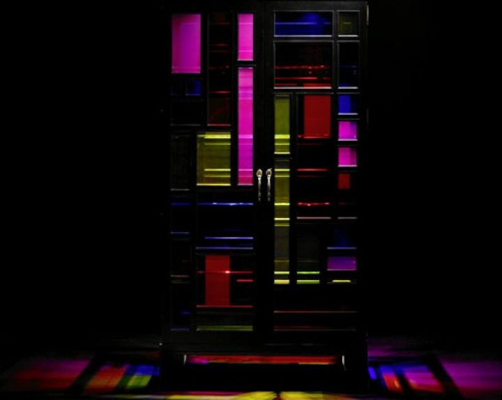 tusse-stained-glass-window-cabinet