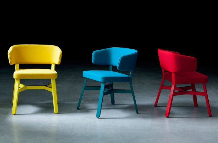 Croissant_lounge_colorata_design-Emilio Nanni-per-Billiani
