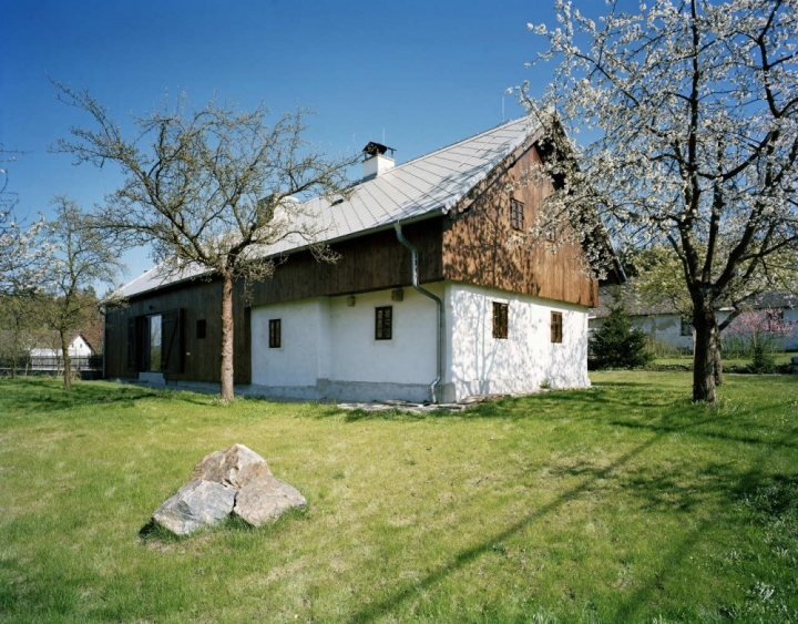 OV-a_cottage_in_tupadly_02