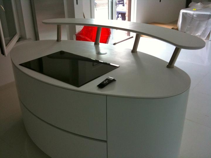 01 _-_ Roberto_pennetta__Corian_Futuristic_private_loft