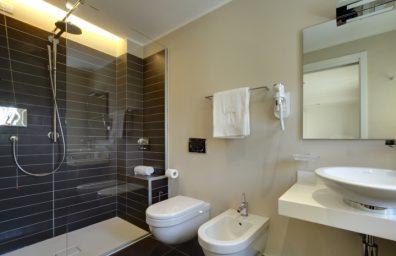 Valli_arredobagno_spluga_e_sosta_hotel_bagno_2