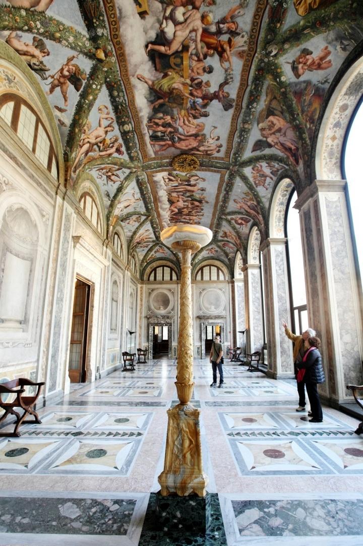 Villa_Farnesina_Francesco_Cicconi