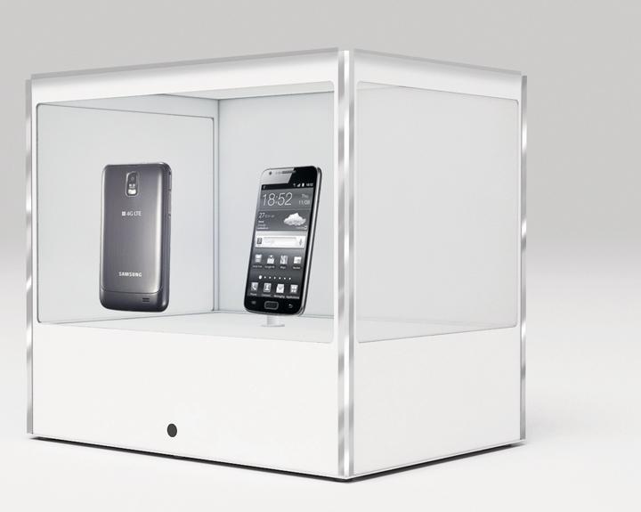 transparent_digital_display_case-1