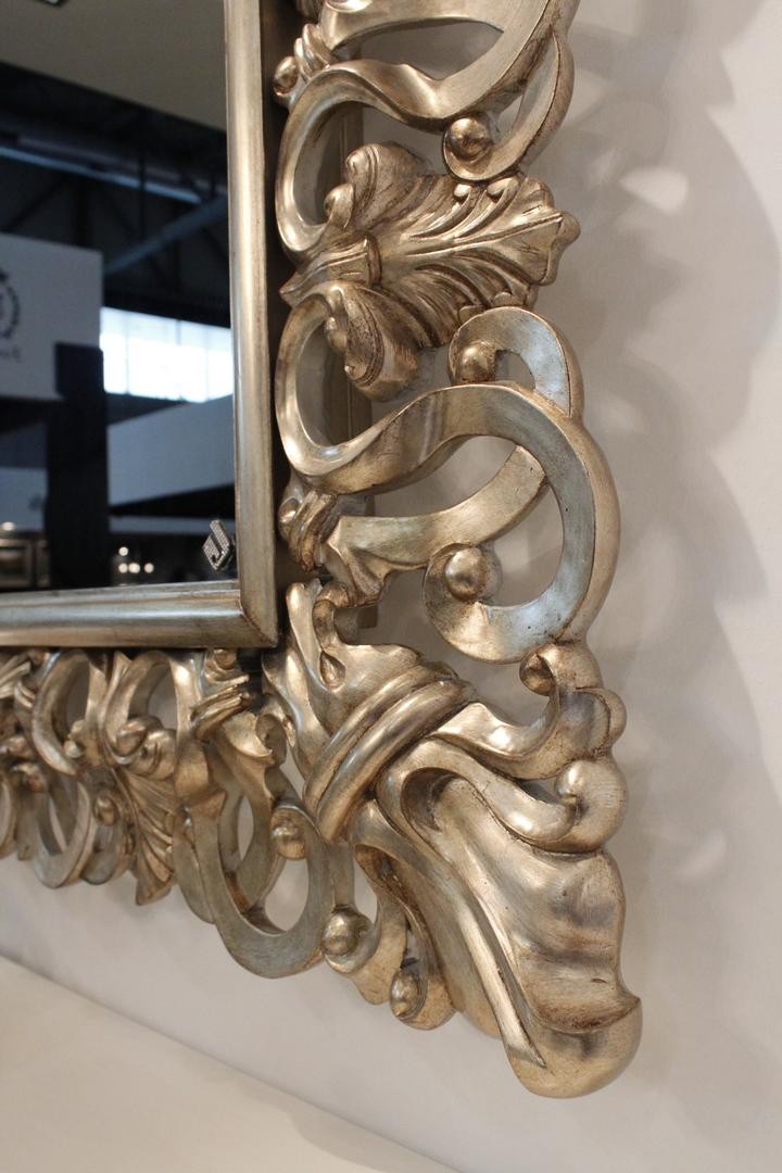 Capri_frame_with_mirror_TV_003