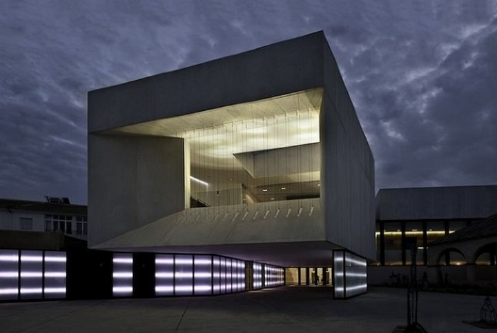 Theater-Almonte-Architektur 000