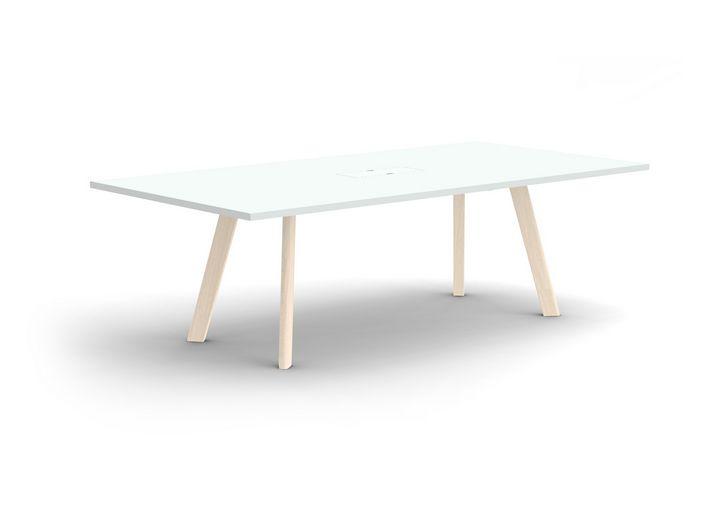J.Prestwichによる会議用テーブル