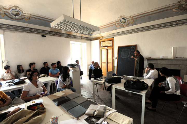Lecciones Abadir aula con Giulio Iacchetti 1