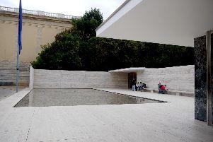 Mi van der Rohe nan Barcelone Pavilion
