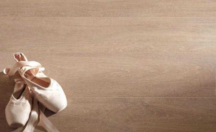 piastrelle in gres porcellanato effetto legno