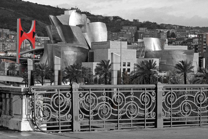 Frank Gehry Guggenheim Bilbao 16