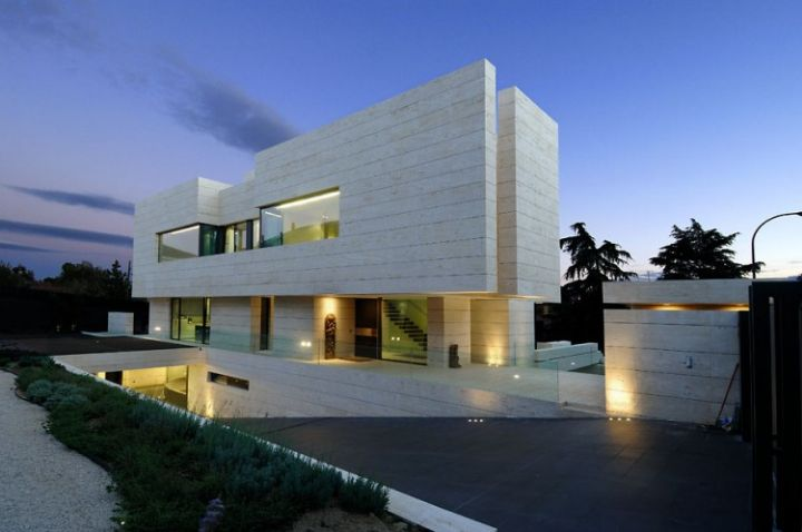 House-in-Las-Rozas-06-750x498