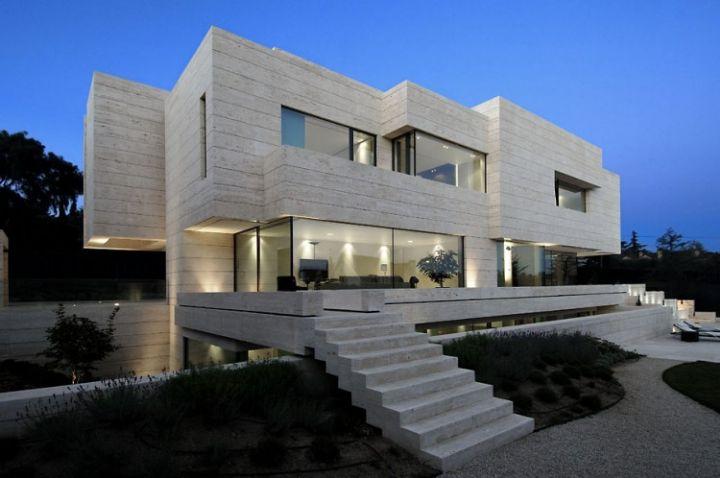 House-in-Las-Rozas-07-750x498