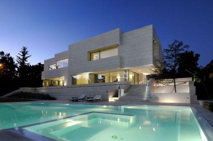 House-in-Las-Rozas-08-750x498