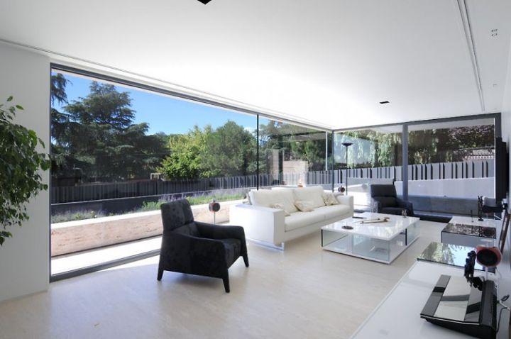 House-in-Las-Rozas-13-750x498