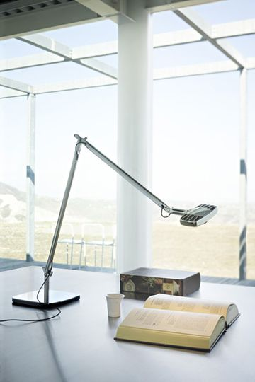 table lamp led eight watts of luceplan designed by alberto meda and Paolo Rizzatto 02