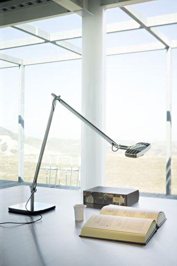テーブルランプは、アルベルト·メダとパオロRizzatto 02によって設計luceplanの8ワットを主導