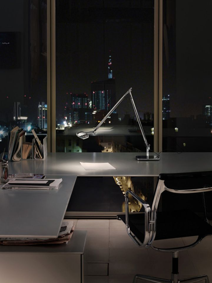 table lamp led eight watts of luceplan designed by alberto meda and Paolo Rizzatto 05