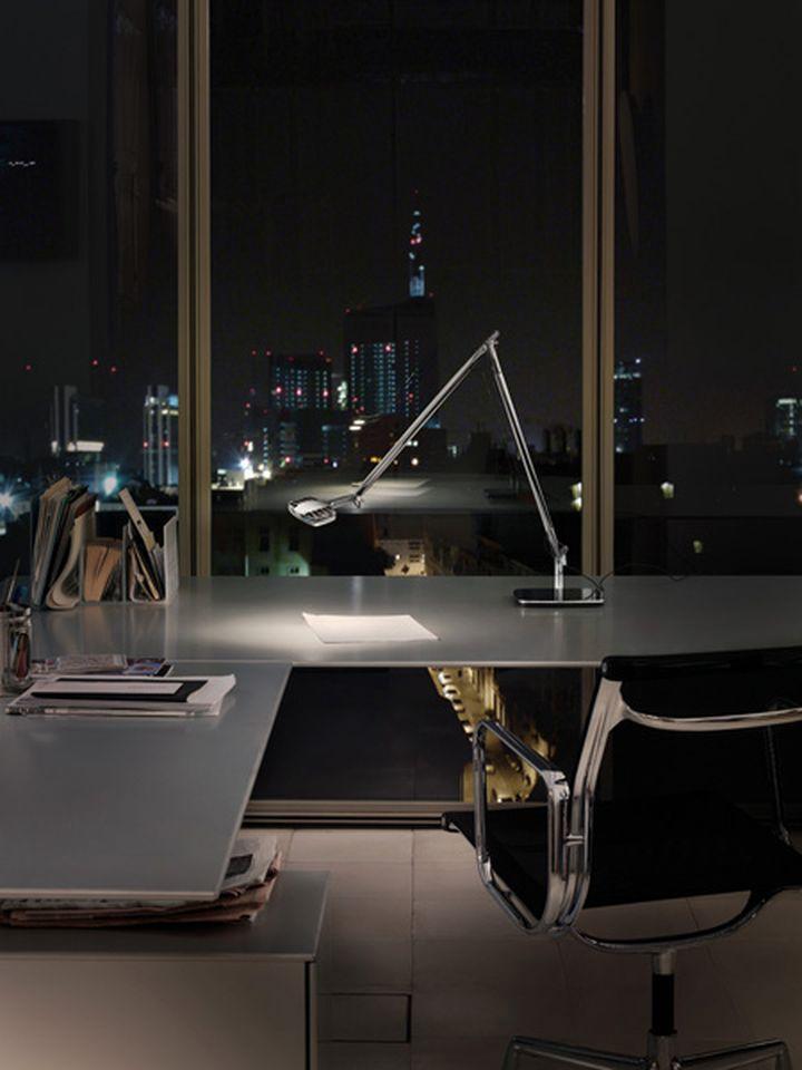 lampada da tavolo a led otto watt di luceplan disegnata da alberto meda e paolo rizzatto 05