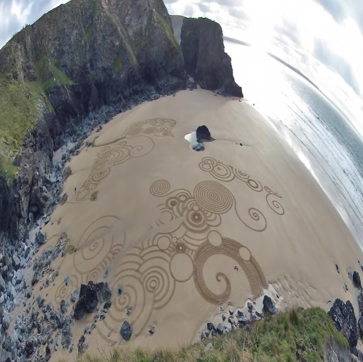 Tony disegni sulla sabbia 05