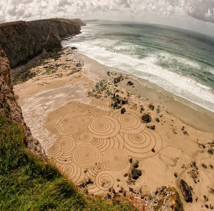 Tony disegni sulla sabbia 09